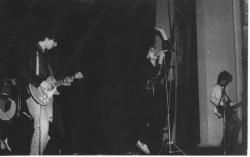 Актюбинск, ДКЖ, февраль 95г.Концерт посвящённый 3-х летию группы. Фото-В. Лысенк